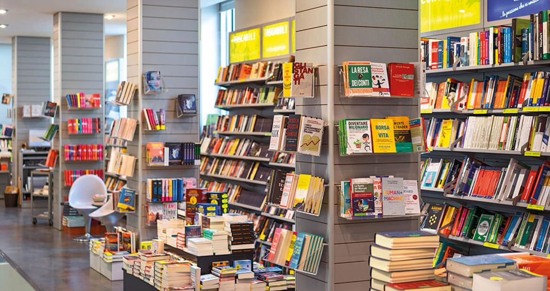 Libreria Moderna San Donà - Vista scaffali secondo piano