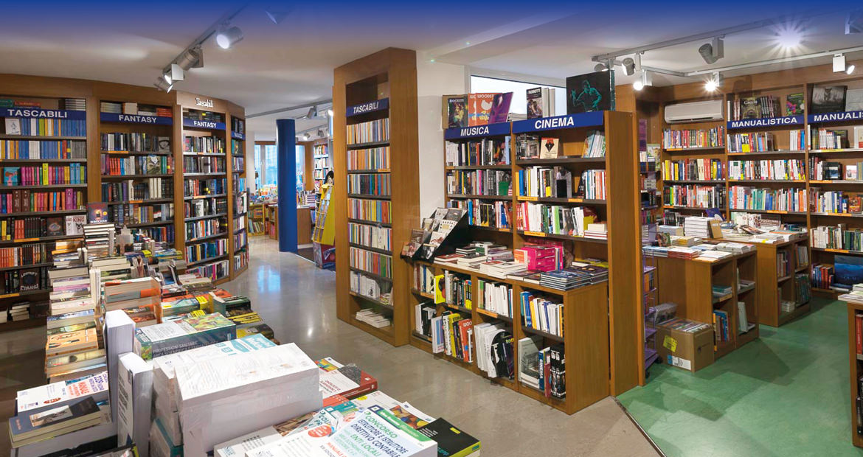 Libreria Moderna Udinese - Scaffali